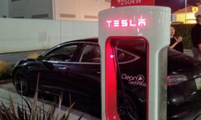 Tesla, koronavirüs nedeniyle şarj istasyonlarını ücretsiz yaptı
