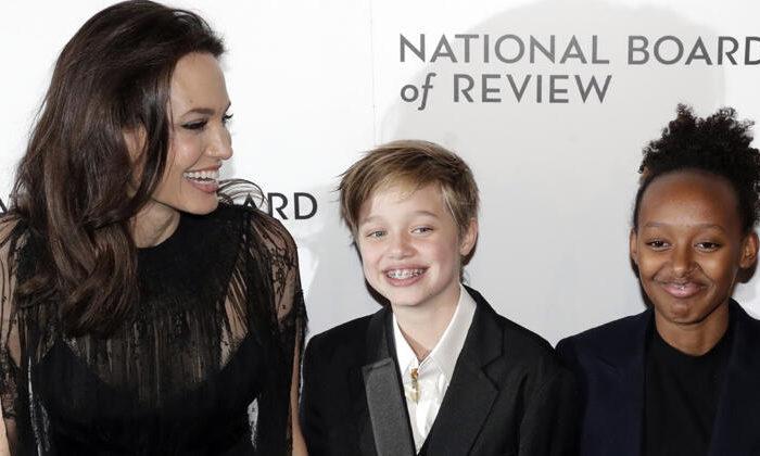 Angelina Jolie ilk kez açıkladı: İki kızım da ameliyat oldu