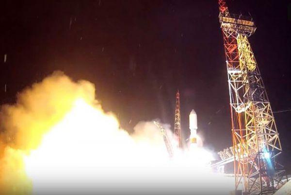 Rusya uzaya yeni bir navigasyon uydusu gönderdi -1