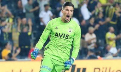 Fenerbahçe'de Altay Bayındır'ın satışına izin yok!