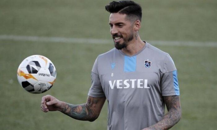 Jose Sosa'dan yabancı oyuncular adına bağış açıklaması