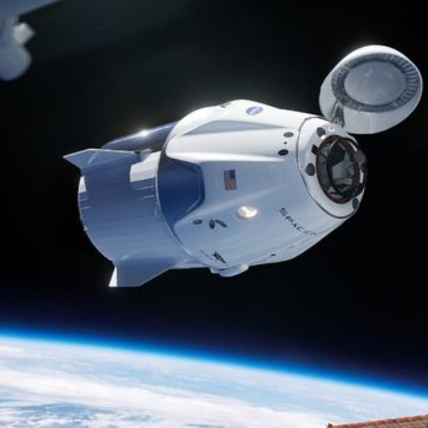 Dün akşam fırlatılan Crew Dragon kapsülü istasyona ulaştı
