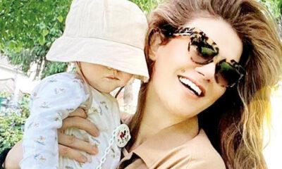 Tülin Şahin ile kızının bahçe keyfi