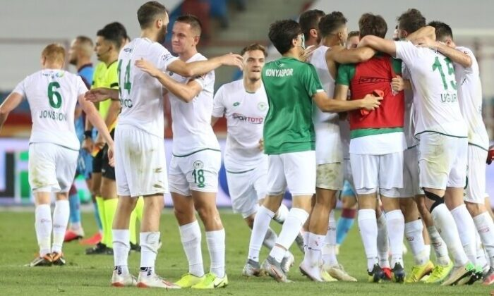 Kritik galibiyetler Konyaspor'u ligde tuttu