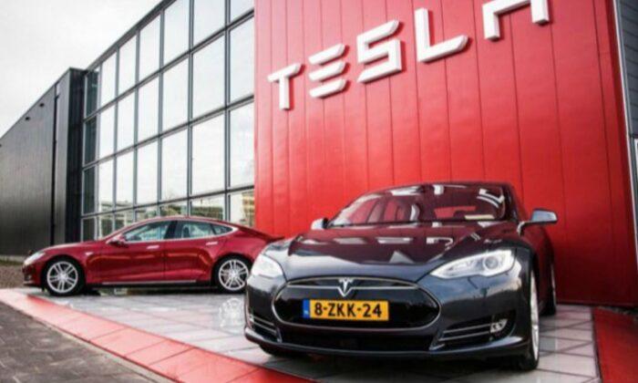 Berlin'deki fabrikasının faturalarını ödemeyen Tesla'nın suyu kesildi