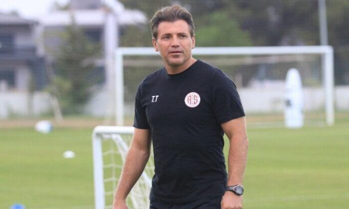 Antalyaspor, Tamer Tuna ile yollarını ayırdı