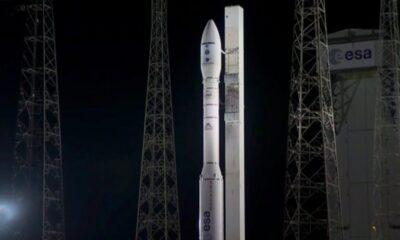 Arianespace'in Vega roketi, fırlatıldıktan 8 dakika sonra arızalandı