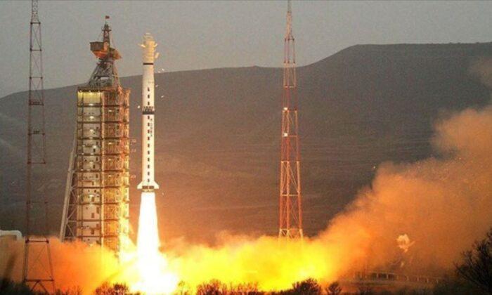Çin, mobil iletişim uydusu Tiantong-1 02'yi uzaya fırlattı