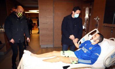 Fenerbahçe'de kaleci Harun Tekin'e moral ziyareti