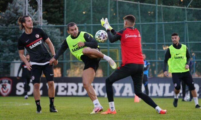 Gaziantep FK'de 4 kişinin daha testi pozitif
