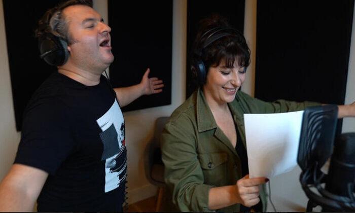 """""""İyi aile babası"""" için stüdyoya girdiler! Çağlar Çorumlu ve Şebnem Bozoklu rap söyledi!"""