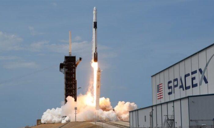 SpaceX, arka arkaya 2 roket birden fırlatarak yeni bir rekor kıracak