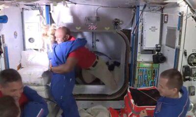 SpaceX, dört NASA astronotunu başarıyla uzay istasyonuna götürdü