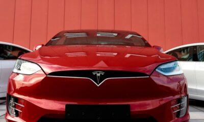 Tesla'nın tam otomatik pilotuna uzmanlardan itiraz geldi