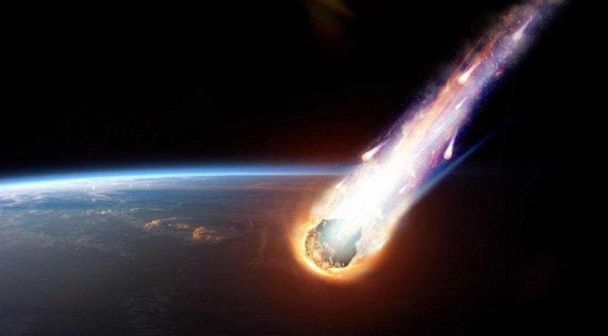 Bilim insanları erken fark edemedi: Göktaşı Dünya ya teğet geçti #1