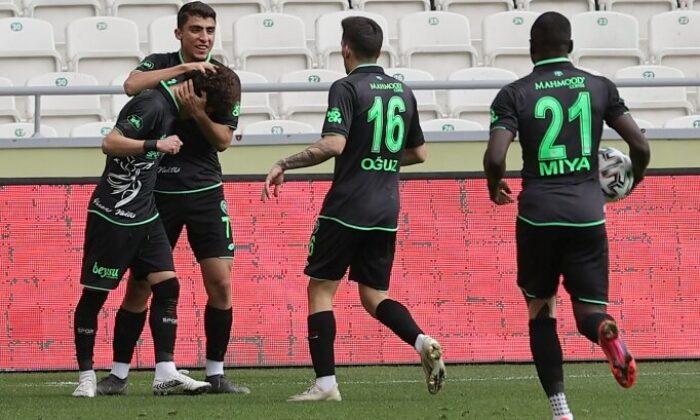 Konyaspor, geriden gelip turladı!