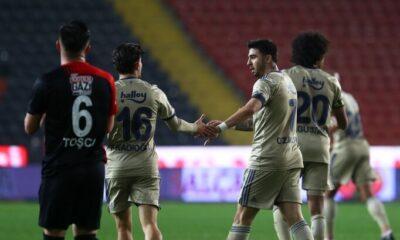 """Sinan Engin: """"Şampiyon denen takım 19 gol yedi"""""""
