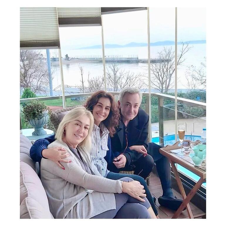 Arzum Onan ve eşi Mehmet Aslantuğ, Gülenay Kalkanı yalnız bırakmıyor