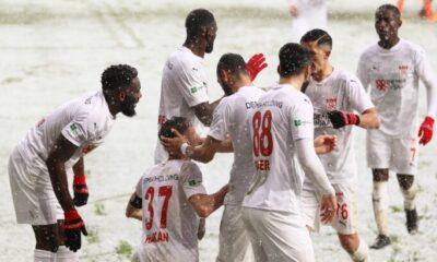 Hakan Arslan, Sivasspor'da fark yaratıyor