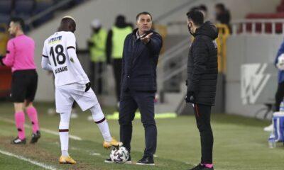 """Mustafa Kaplan: """"Emek veriyoruz, VAR'la gidiyor!"""""""