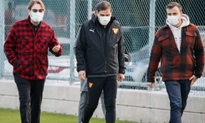 Mehmet Sepil, futbolcuları bağrına bastı