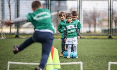 Türk futbolunun beşinci şampiyonu Bursaspor, yıldız yetiştiriyor